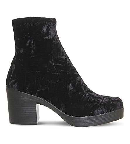 OFFICE Lolz chunky velvet boots (Black+velvet