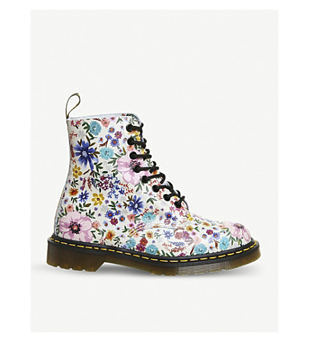 DR. MARTENS 1460 Pascal 8-eye leather boots (Bonemallow+pink