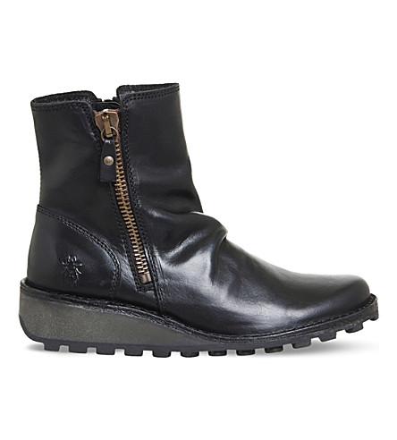 FLY LONDON 星期一皮革脚踝靴 (黑 + 地毯