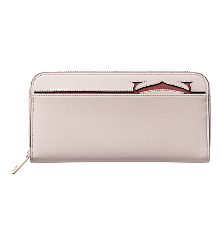 CARTIER Must-C leather zipped international wallet