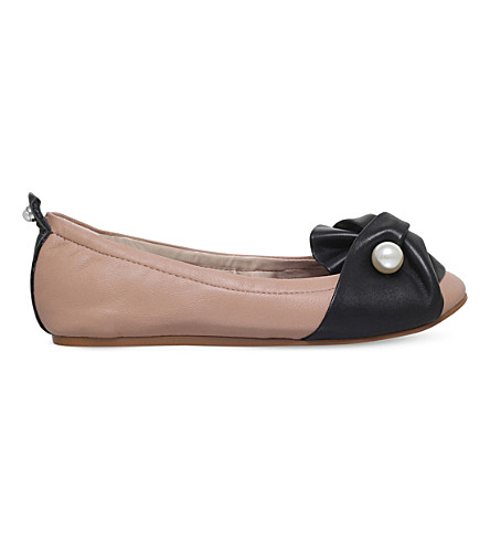 KG KURT GEIGER 蝴蝶结和珍珠细节皮革芭蕾平底鞋 (裸