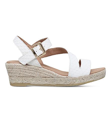 CARVELA Kloak 楔形皮革凉鞋 (白色