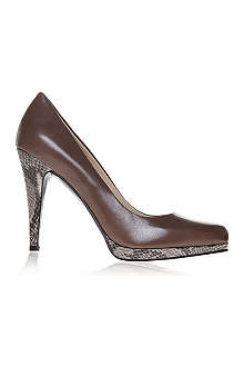 NINE WEST Rocha leather courts