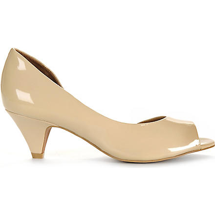 KG BY KURT GEIGER Adalia cut–out patent courts (Nude