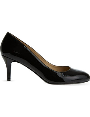 NINE WEST Applaud patent courts
