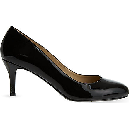 NINE WEST Applaud patent courts (Black
