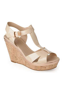 CARVELA Kab patent wedge sandals