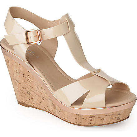 CARVELA Kab patent wedge sandals (Nude