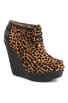 NINE WEST Lagui5 wedge boots