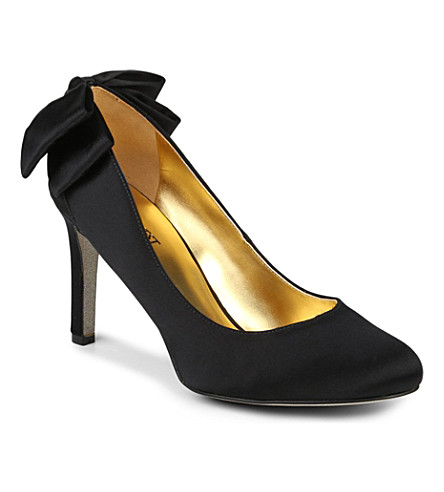 NINE WEST Givemelux satin courts (Black