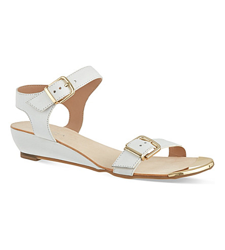 CARVELA Kap sandals (White