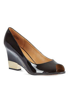 NINE WEST Jillianne patent wedge courts