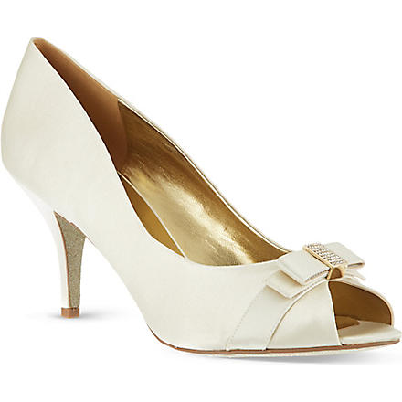 NINE WEST Oliva22 satin peep-toe court shoes (Bone