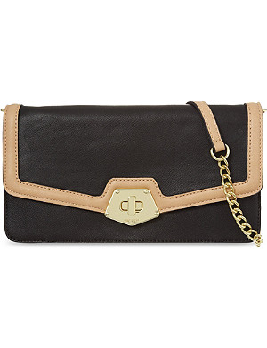 NINE WEST Faelynn clutch