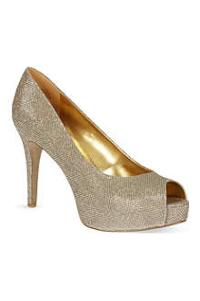 NINE WEST Camya courts