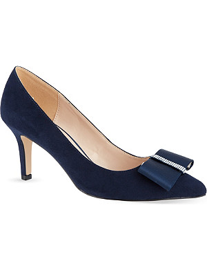 NINE WEST Tiffany suede courts