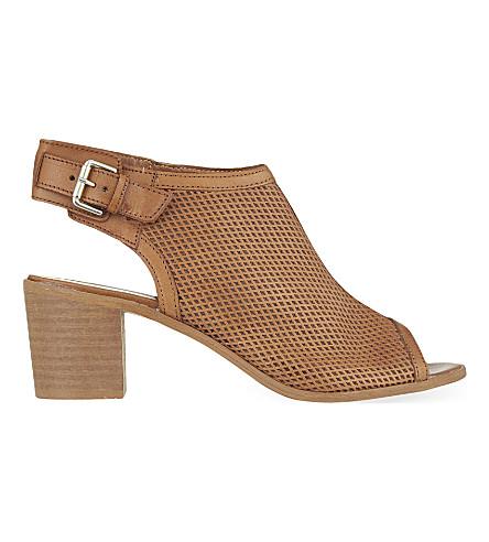 CARVELA 奥黛丽窥视脚趾鞋靴子 (棕褐色
