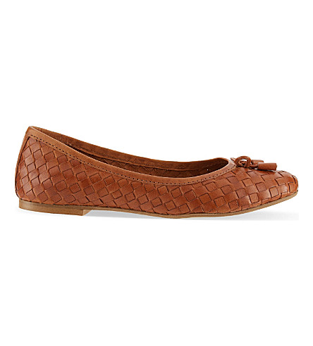 CARVELA Luggage woven ballet flats (Tan