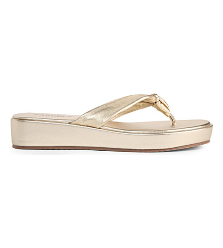 CARVELA Kredible metallic-gold platform flip flops (Gold