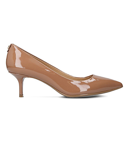 MICHAEL MICHAEL KORS Flex kitten patent leather pumps (Beige