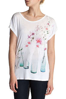 TED BAKER Areara water bottle t-shirt