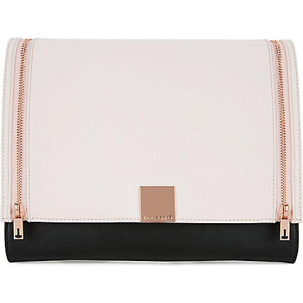 TED BAKER Sala cross hatch tech clutch (Black