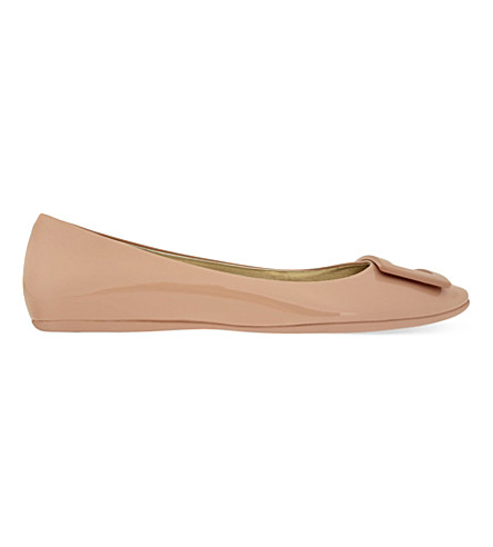 ROGER VIVIER Gommette patent leather ballerina flats (Nude