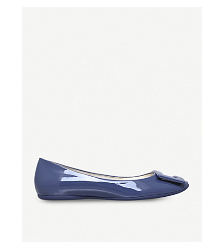 ROGER VIVIER Gommette buckle patent-leather ballet flats (Denim