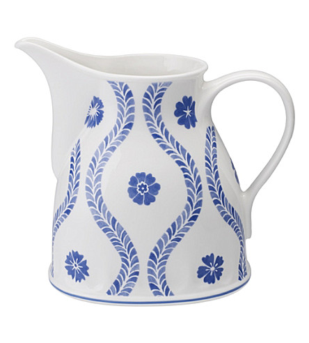 VILLEROY & BOCH Farmhouse Touch Blueflowers milk jug