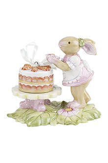 VILLEROY & BOCH Girl bunny with cake ornament