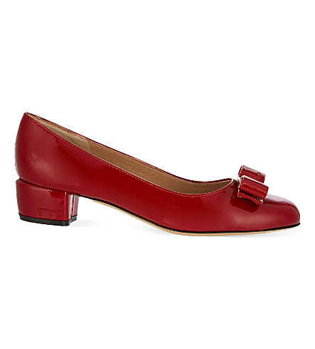 SALVATORE FERRAGAMO Vara I patent-leather courts (Red/dark