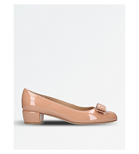 SALVATORE FERRAGAMO Vara patent-leather heeled courts (Pale+pink