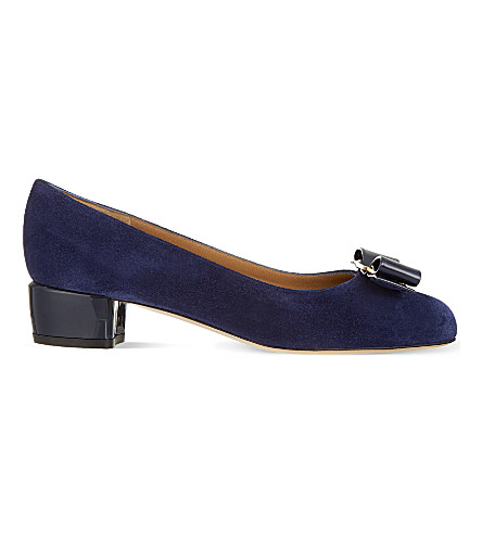 SALVATORE FERRAGAMO Vara suede court shoes (Navy