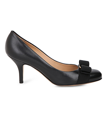 SALVATORE FERRAGAMO Carla 70 leather courts (Black