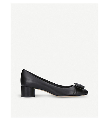 SALVATORE FERRAGAMO Ivrea leather heeled courts (Black