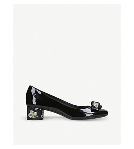 SALVATORE FERRAGAMO Ivrea patent-leather heeled courts (Blk/other