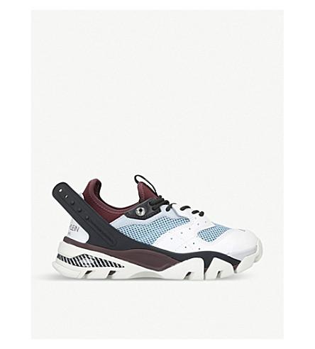 CALVIN KLEIN 收藏卡拉皮革和网运动鞋 (白色/