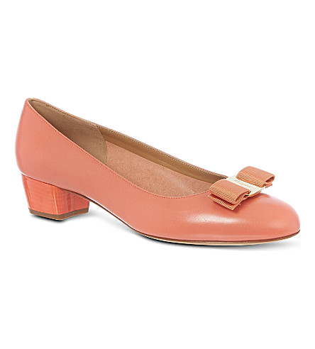 FERRAGAMO Vara leather court shoes (Salmon