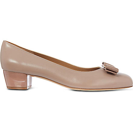 FERRAGAMO Vara court shoes (Beige