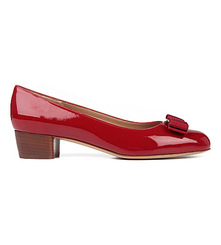 SALVATORE FERRAGAMO Vara patent leather courts (Red