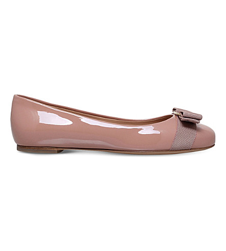 SALVATORE FERRAGAMO Varina patent-leather pumps (Pale+pink