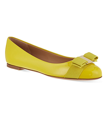 FERRAGAMO Varina patent leather pumps (Yellow