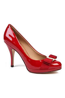 FERRAGAMO Tina patent leather courts
