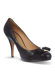 FERRAGAMO Tina C leather courts