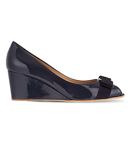 SALVATORE FERRAGAMO Sissi patent court wedges (Navy