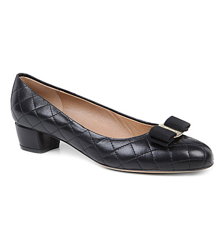 FERRAGAMO Vara quilted leather courts (Black