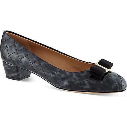 FERRAGAMO Vara quilted courts (Black