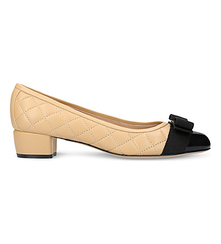 SALVATORE FERRAGAMO Vara quilted leather heeled courts (Blk/beige