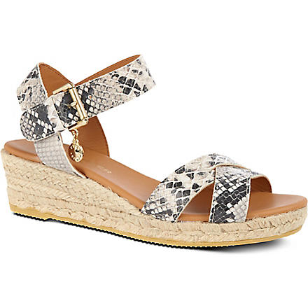 KURT GEIGER Libby wedges (Blk/white