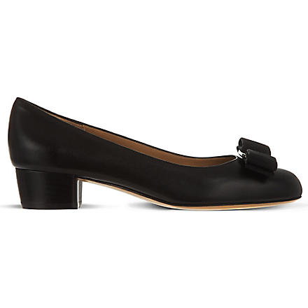 FERRAGAMO Vara leather court shoes (Black